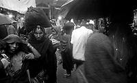 11.2010 Pushkar (Rajasthan)<br /> <br /> Pilgrims under the rain during kartik purnima.<br /> <br /> P&egrave;lerins sous la pluie pendant kartik purnima.