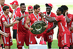 Deutscher Meister 2020, FC Bayern Muenchen v.l. Thomas Mueller, Jerome Boateng, Serge Gnabry, Leon Goretzka mit Meisterschale, Alphonso Davies, David Alaba, Kingsley Coman<br />Wolfsburg, 27.06.2020: nph00001: , Fussball Bundesliga, VfL Wolfsburg - FC Bayern Muenchen 0:4<br />Foto: Tim Groothuis/Witters/Pool//via nordphoto<br /> DFL REGULATIONS PROHIBIT ANY USE OF PHOTOGRAPHS AS IMAGE SEQUENCES AND OR QUASI VIDEO<br />EDITORIAL USE ONLY<br />NATIONAL AND INTERNATIONAL NEWS AGENCIES OUT