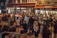 France, Aquitaine, Pyrénées-Atlantiques, Pays Basque, Biarritz : Lieu incontournable pour un Apéro Tapas, le Bar  Jean//  France, Pyrenees Atlantiques, Basque Country, Biarritz: Biarritz at night, at Bar Jean