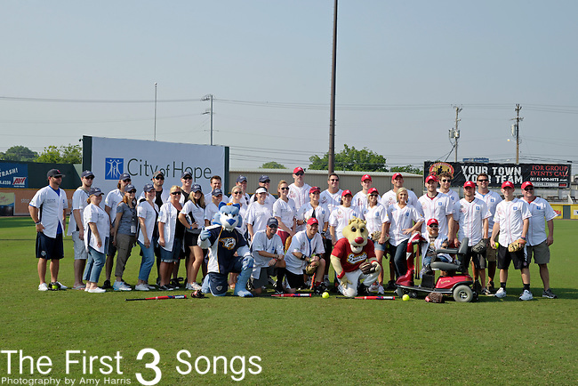 21st annual City of Hope Celebrity Softball Challenge team photo, on Saturday, June 11, at Greer Stadium in Nashville, TN during the 2011 CMA Music Festival.