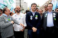 SÃO PAULO,SP,05.10.2018 - ELEIÇÕES 2018 -  Bruno Covas e Gilberto Kassab  durante caminhada no centro de São Paulo  nesta  sexta-feira, 05.  (Fotos: Dorival Rosa/Brazil Photo Press/Folhapress)