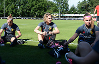 20170717 - RIJEN , NETHERLANDS :  Belgian Laura Deloose (left) , Imke Courtois (middle) and Davinia Vanmechelen (r)  pictured during a training session of the Belgian national women's soccer team Red Flames on the pitch of Rijen , on Tuesday 18 July 2017 in Rijen . The Red Flames are at the Women's European Championship 2017 in the Netherlands. PHOTO SPORTPIX.BE | DAVID CATRY