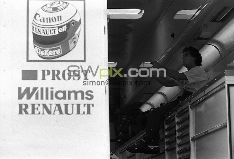 Pix:Michael Steele/SWpix...Motor Racing. Alain Prost, Silverstone, 1989...COPYRIGHT PICTURE>>SIMON WILKINSON..Alain Prost, Silverstone, 1989.