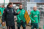 17.01.2020, Trainingsgelaende am wohninvest WESERSTADION,, Bremen, GER, 1.FBL, Werder Bremen Training ,<br /> <br /> <br />  im Bild<br /> <br /> Tim Borowski (Co-Trainer SV Werder Bremen)<br /> Marco Friedl (Werder Bremen #32)<br /> Davy Klaassen (Werder Bremen #30)<br /> <br /> Foto © nordphoto / Kokenge