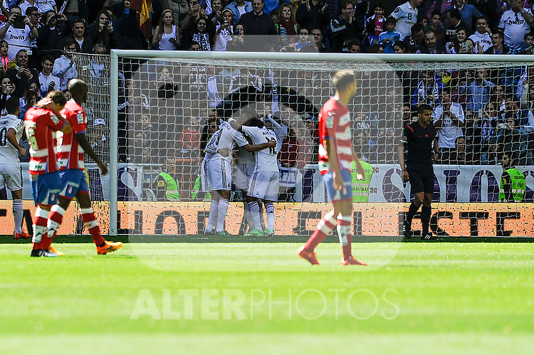 Real Madrid´s players during 2014-15 La Liga match between Real Madrid and Granada at Santiago Bernabeu stadium in Madrid, Spain. April 05, 2015. (ALTERPHOTOS/Luis Fernandez)