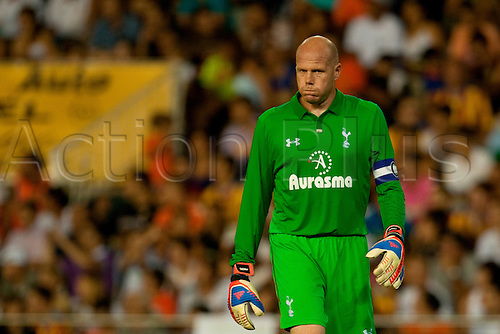 09.08.2012. Valencia Spain.   Goalkeeper Friedel of Tottenham Hotspur looks on during the Estrella Damm Trophy against Valencia CF   at Estadio de Mestalla, in Valencia, Spain