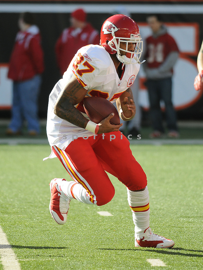 LARRY JOHNSON, of the Kansas CIty Chiefs , in action  during the Chiefs  game against the Cincinnati Bengals on December 29, 2008 in Cincinnati, OH...Bengals win 16-6