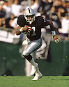 Oakland Raiders Tim Brown (81) during a game from his 1995 season with the Oakland Raiders. Tim Brown played for 17 years with 2 different teams, was a 9-time Pro Bowler and was inducted into the Pro Football Hall of Fame in 2015.(SportPics)