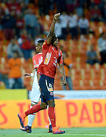 MEDELLIN - COLOMBIA -26-11-2016: Mauricio Cortes, jugador de Deportivo Independiente Medellin, celebra el gol anotado a Independiente Santa Fe, durante partido por los cuartos de final entre Deportivo Independiente Medellin e Independiente Santa Fe, de la Liga Aguila II 2016, en el estadio Atanasio Girardot de la ciudad de Medellin.  / Mauricio Cortes, player of Deportivo Independiente Medellin, celebrates a scored goal to Independiente Santa Fe, during a match for the quarterfinals between Deportivo Independiente Medellin and Independiente Santa Fe, of the Liga Aguila II 2016 at the Atanasio Girardot stadium in Medellin city. Photos: VizzorImage  / Leon Monsalve / Cont.