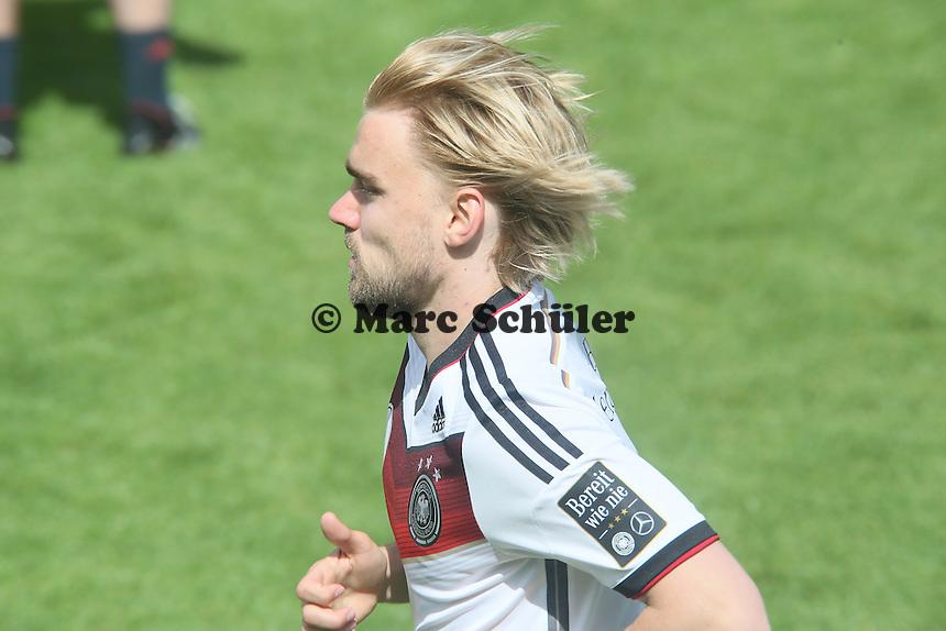 Marcel Schmelzer im Lauftraining - Training der Deutschen Nationalmannschaft  zur WM-Vorbereitung in St. Martin