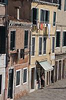La Fondamenta di Cannaregio. (Venice, novembre 2006)