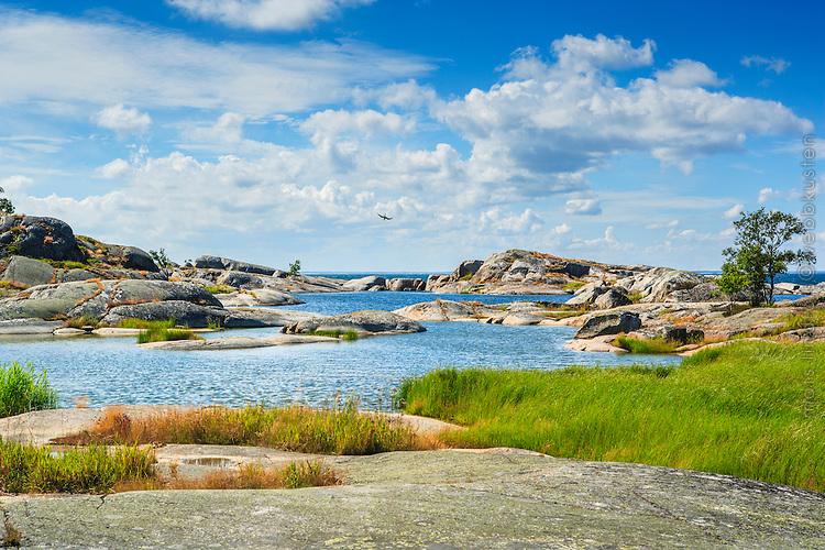 Hällar klippor skär på Stora-Nassa i Stockholms  ytterskärgård.
