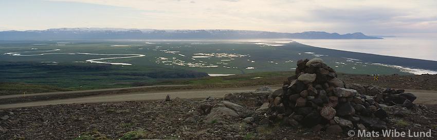 Héraðssandur og Héraðsflói séð frá Vatnaskarð á leið frá Borgarfirði  eystri. Hjaltastaðahreppur / Heradssandur plains and Heradsfloi bay seen from Vtnaskard on the route from Borgarfirdir eystri.