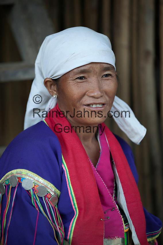 Myanmar, (Burma), Shan State, Kengtung: Palaung tribe woman | Myanmar (Birma), Shan Staat, Kengtung: Frau des Palaung Volksstammes