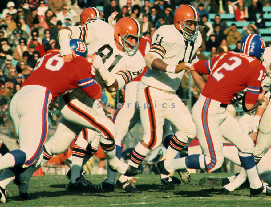 Cleveland Browns Jack Gregory (81) during a game from his 1970 season with the Cleveland Browns. Jack Gregory played for 13 years for 2 different teams and was a 2-time Pro Bowler.<br /> (SportPics)