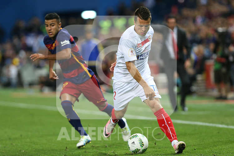 FC Barcelona's Rafinha (L) and Sevilla CF's Konoplyanka (R) during Spanish Kings Cup Final match. May 22,2016. (ALTERPHOTOS/Rodrigo Jimenez)