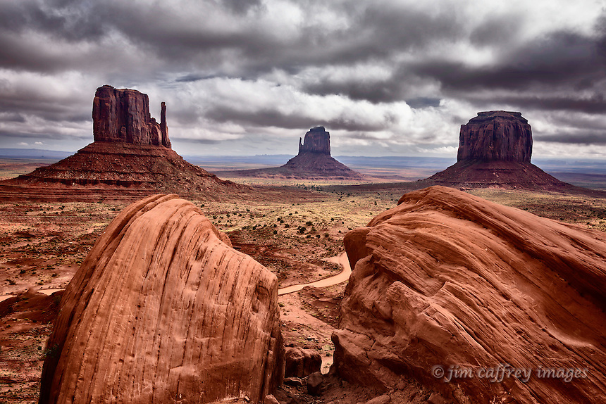An iconic view of Monument Valley in northern Arizona