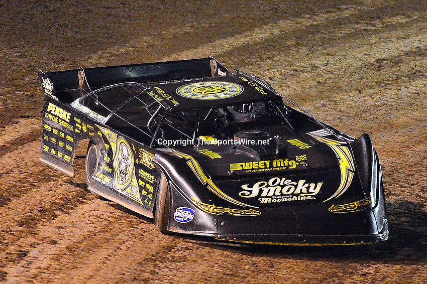 Feb 20, 2014; 7:47:09 PM;  Barberville, FL, USA;  World of Outlaws Late Model Series for 43rd Annual DIRTcar Nationals presented by Summit Racing Equipment at Volusia Speedway Park.  Mandatory Credit: (thesportswire.net)