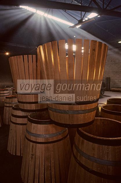 Europe/France/Poitou-Charentes/16/Charente/Cognac/Tonnellerie Seguin Moreau: Barriques en [roses]<br /> PHOTO D'ARCHIVES // ARCHIVAL IMAGES<br /> FRANCE 1990