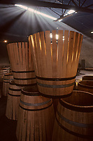 Europe/France/Poitou-Charentes/16/Charente/Cognac/Tonnellerie Seguin Moreau&nbsp;: Barriques en [roses]<br /> PHOTO D'ARCHIVES // ARCHIVAL IMAGES<br /> FRANCE 1990