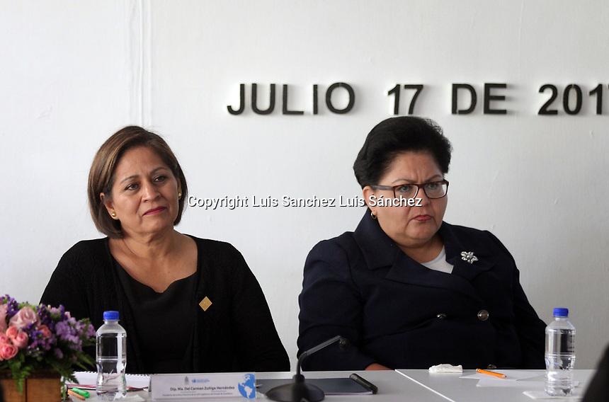 Querétaro, Qro. 17 de Julio de 2017.- En la Legislatura del Estado se llevó a cabo la conferencia Principios Rectores de Nacionales Unidas sobre Derechos Humanos y Empresas, en la cual participaron empresarios y organizaciones civiles.