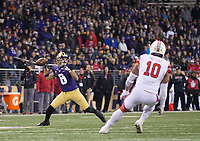 Dante Pettis wound up for a throwback pass, but ultimately thought better of it and kept the ball.