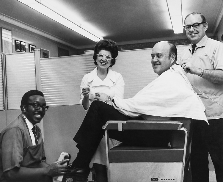 Rep. Melvin Laird, R-Wis. with Larrey Carrey, Harry Kirkland and Della Schulz. 1969 (Photo by Mickey Sento/CQ Roll Call)