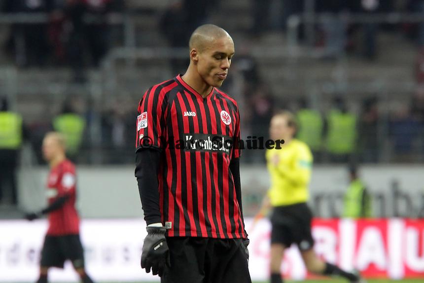 Bamba Anderson (Eintracht) enttaeuscht