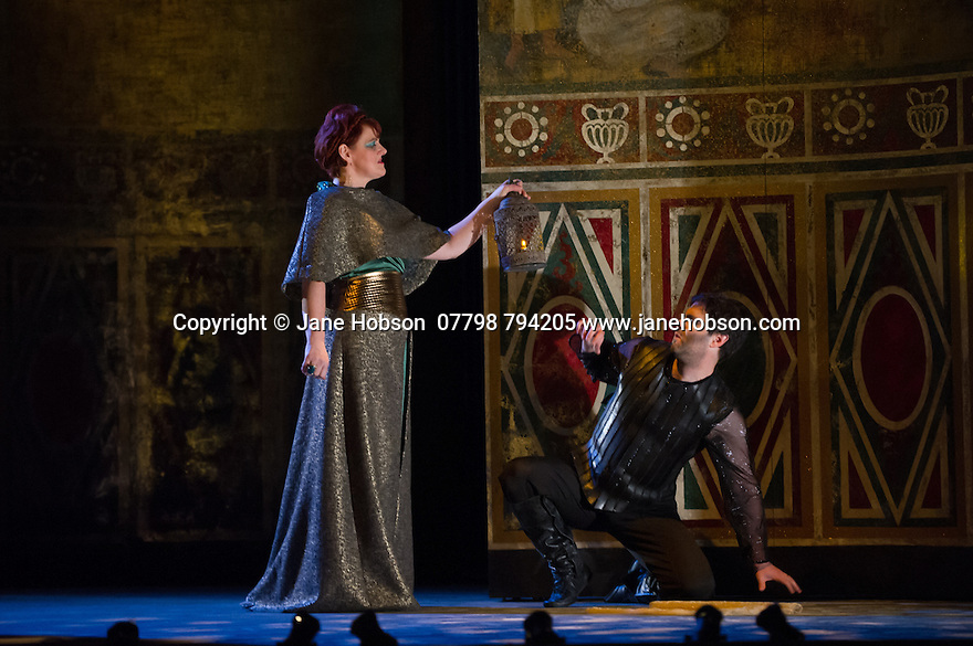 London, UK. 15.10.2014. English Touring Opera presents OTTONE, by George Frideric Handel, directed by James Conway, at the Hackney Empire. Picture shows:  Gillian Webster (Gismonda) and Clint van der Linde (Ottone). Photograph © Jane Hobson.