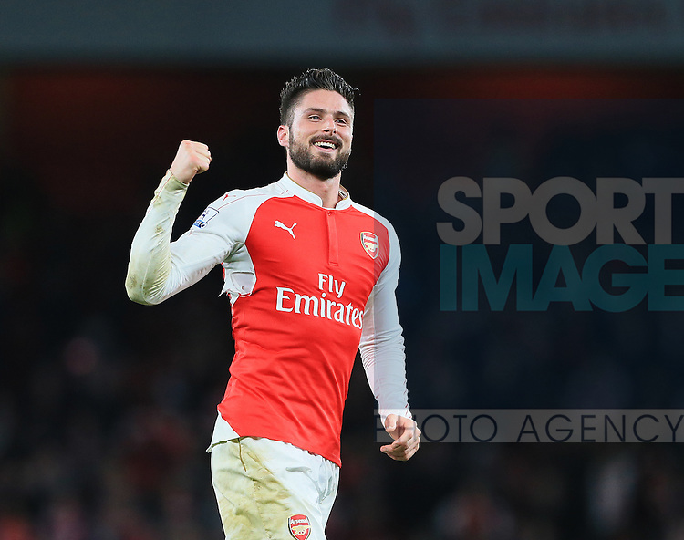 Arsenal's Olivier Giroud celebrates at the final whistle<br /> <br /> Barclays Premier League- Arsenal vs Manchester City - Emirates Stadium - England - 21st December 2015 - Picture David Klein/Sportimage
