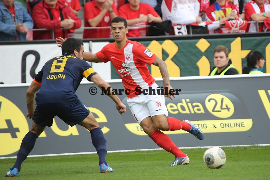 Shawn Parker (mainz) gegen Deniz Dogan (Braunschweig) - 1. FSV Mainz 05 vs. Eintracht Braunschweig, Coface Arena, 10. Spieltag