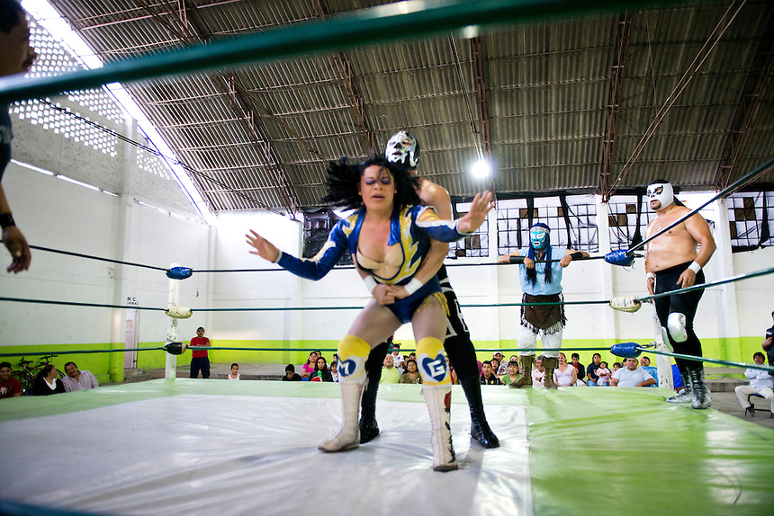 """Wendy fighting as Miss Gaviota (Miss Seagull) she is a transgender Lucha Libre wrestler, in lucja libre she is considered an """"Exotico"""" meaning (homosexuals and transgender fighters) Santa Maria Tulpetlac, Ecatepec, Estado de Mexico."""