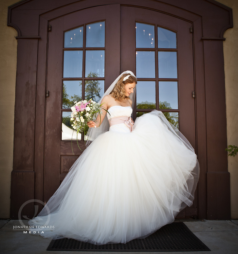 Bridal Photography Session at Chateau Morrisette Winery in Virginia