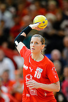 Laura Steinbach (TSV) am Ball