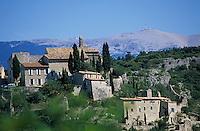 Europe/France/Provence-Alpes-Côte d'Azur/84/Vaucluse/Methamis: Le village et le Mont Ventoux (1909 mètres)