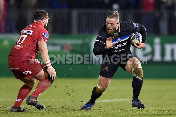 Max Lahiff of Bath Rugby in possession. European Rugby Champions Cup match, between Bath Rugby and the Scarlets on January 12, 2018 at the Recreation Ground in Bath, England. Photo by: Patrick Khachfe / Onside Images