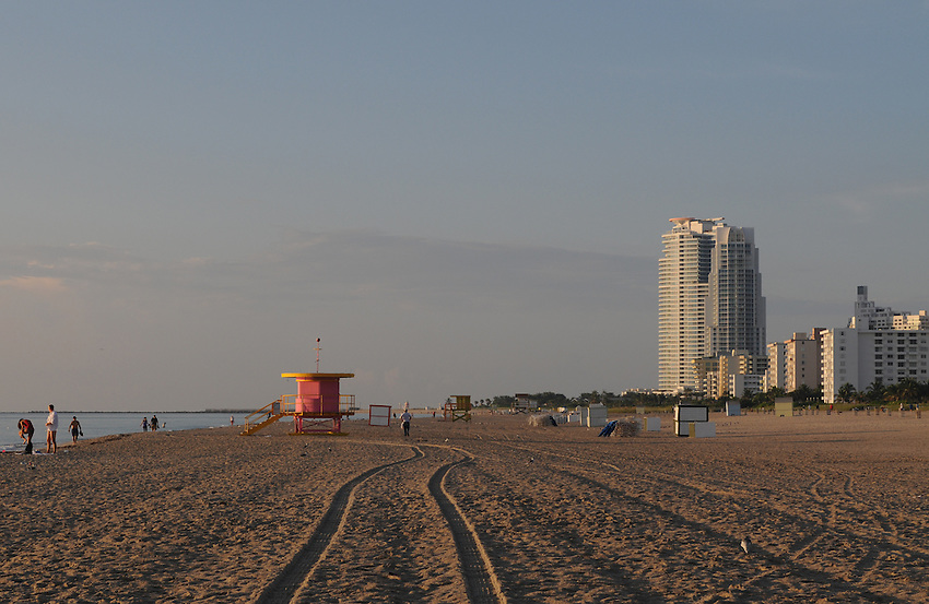 Miami Beach, South Beach, sunrise, one young couple get a head start on the day
