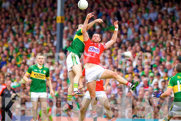 Bryan Sheehan Kerry in action against Pearse O'Neill Cork at the Munster senior football Final at Fitzgerald Stadium in Killarney on Sunday.