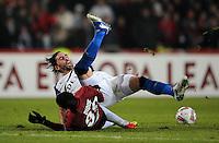 FUSSBALL   EUROPA LEAGUE   SAISON 2011/2012  SECHZEHNTELFINALE Hannover 96 - FC Bruegge                                    16.02.2012 Mame Diouf (li, Hannover 96)  gegen Jordi (re, Bruegge)