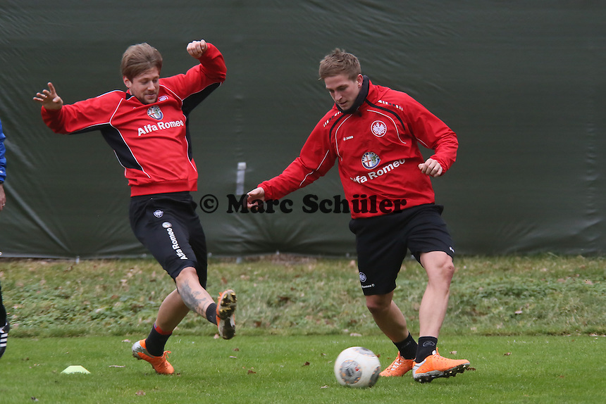 Marco Russ gegen Bastian Oczipka (Eintracht)