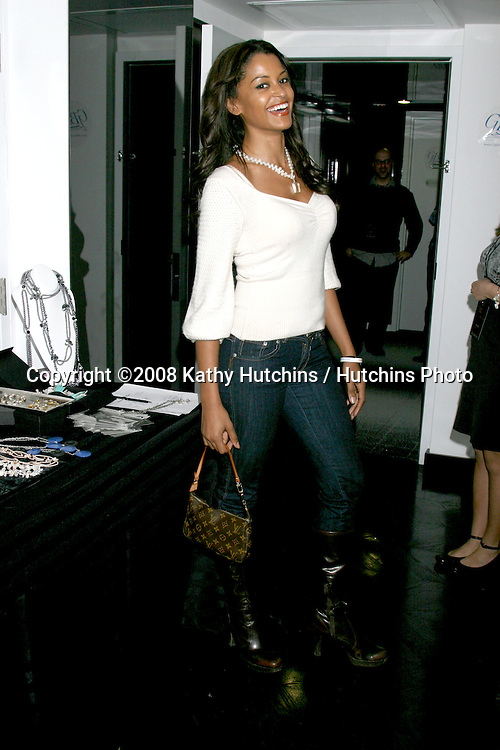 Claudia Jordan.waring Lindsay Marie Pearls.GBK Gifting Suite.Thompson Hotel.Beverly Hills, CA.January 10, 2008.©2008 Kathy Hutchins / Hutchins Photo...            .