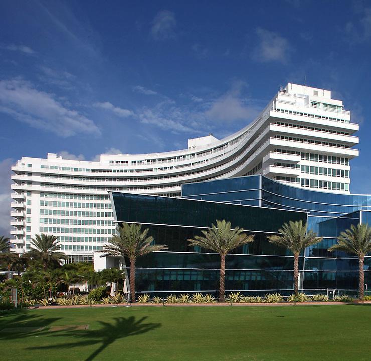 Fontainebleau Hotel Miami Beach Architect Morris Lapidus 1954