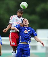 FUSSBALL   DFB POKAL   SAISON 2011/2012  1. Hauptrunde VfB Oldenburg - Hamburger SV                             30.07.2011 Michael MANCIENNE (li, Hamburg) gegen Jan LOEHMANNSROEBEN (re, Oldenburg)