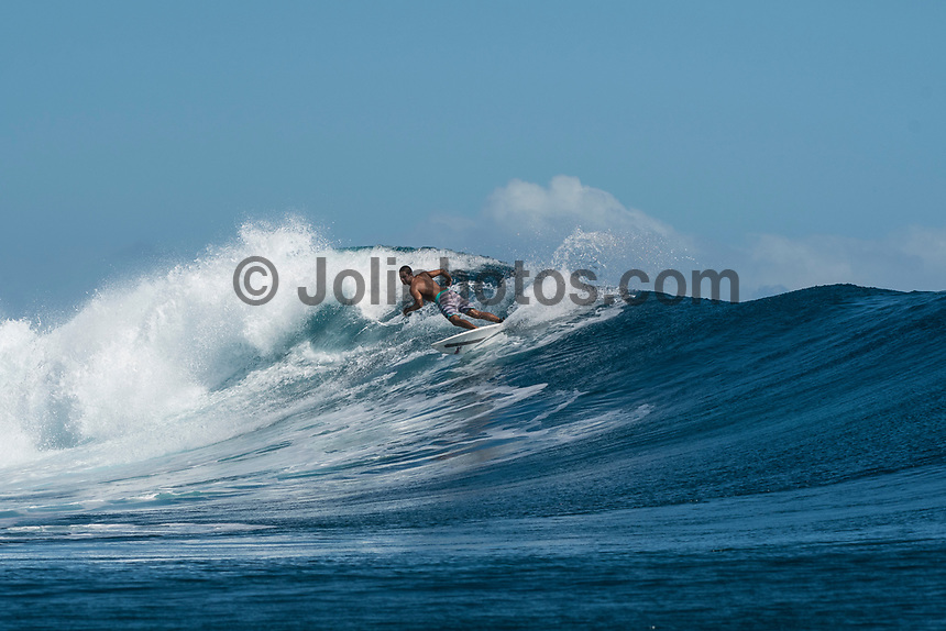 Namotu Island Resort, Nadi, Fiji (Wednesday, May 24 2017): The wind  had dropped back this morning and swung back to South East Trades. It continued to drop through the day. The swell was still in the 4'-6' range with bigger sets. Cloudbreak was barreling through the inside, especially around the low tide but was crowded with big group of pro surfers, both male and female practising for the OK Fiji Pro which begins on Saturday. <br /> Lefts was very good and improved as the wind dropped. The current was very strong round the low tide. Pools also had some fun waves early afternoon before the Trades strengthen.  Photo: joliphotos.com