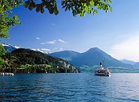 Schweiz, Kanton Luzern: Ausflugsschiff (Dampfschiff) Rundfahrt auf dem See | Switzerland, Canton Lucerne: steam boat round trip