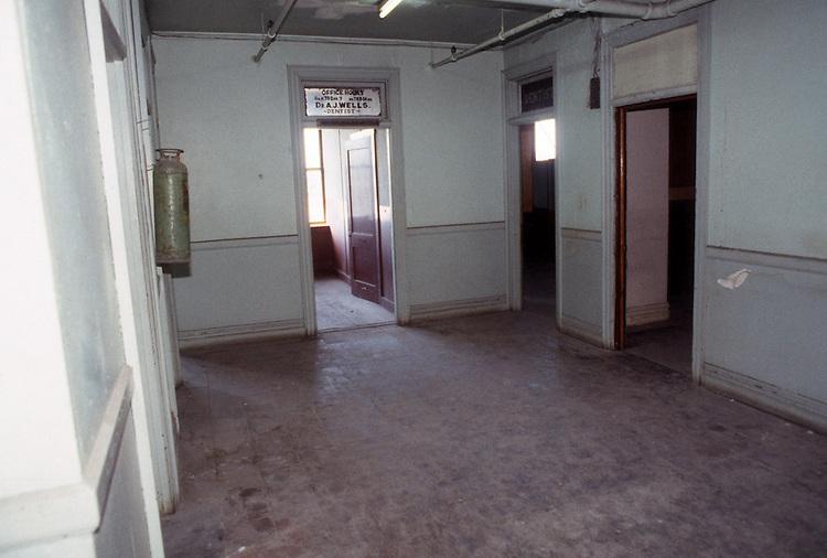 1993 February ..Rehabilitation..Attucks Theatre.Church Street..OFFICE SPACE 2ND FLOOR.LOOKING TOWARD FRONT.INTERIOR...NEG#.NRHA#..