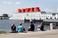 Nederland Amsterdam  2015 06 10 . Het Amstel Botel  bij het NDSM Terrein. Het botel is een drijvend hotel. In de rode letters kan ook geslapen worden