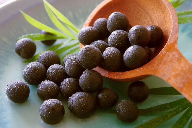 Photos & pictures of the famous Brazilian acai berries the super fruit anti oxident from the Amazon. Acai berries has been used to help weight loss. Stock-fotos