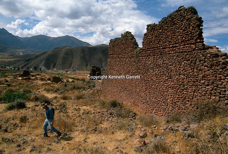 Empires of the Sun; Peru; Wari; Huari, Pikillacta Site, Gordon McEwan
