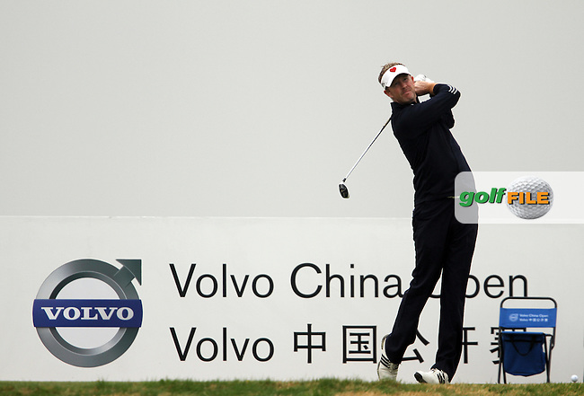 Steven O'Hara (SCO) on the 5th on Day 2 of the 2012 Volvo China Open at Binhai Lake Golf Club, Tianjin, China...(Photo Jenny Matthews/www.golffile.ie)